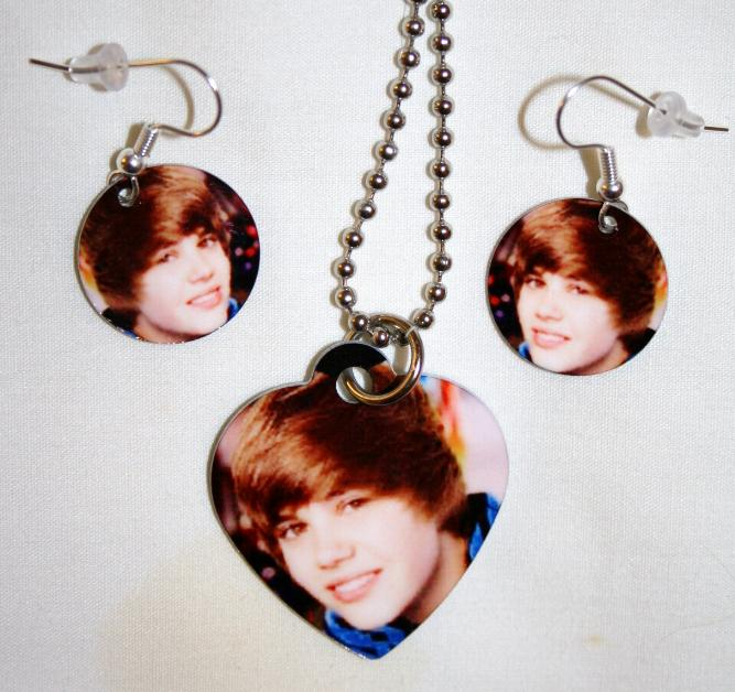 justin bieber earrings claires. idk theese earrings